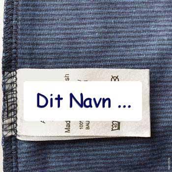 75e83336588 De selvklæbende tekstiletiketter klistres på vaskeanvisning eller tøjmærker  i tøjet. Perfekt til brug på børns tøj, der vaskes ofte.